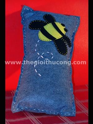 Gối chú ong vàng bằng vải nỉ