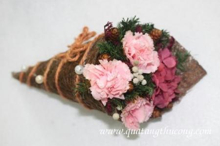 Hoa khô kem ốc quế